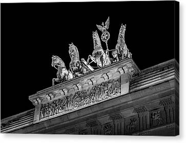 Berlin At Night - Quadriga - Brandenburg Gate - Brandenburger Tor Canvas Print by Colin Utz