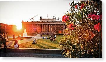 Berlin - Lustgarten - Altes Museum Canvas Print by Alexander Voss