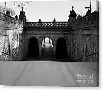 Bethesda Terrace In Central Park - Bw Canvas Print by James Aiken