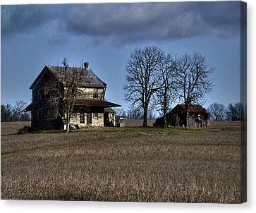 Canvas Print featuring the photograph Better Days by Robert Geary