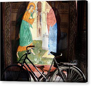 Bicycle And Mural Canvas Print by Todd Fox