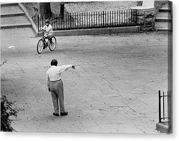 Canvas Print featuring the photograph Bicycle Lesson Schurz Park by Dave Beckerman