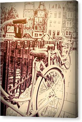 Bicyclettes D'amsterdam Canvas Print