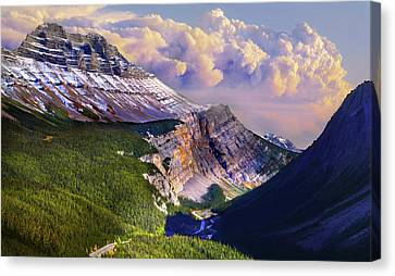 Canvas Print featuring the photograph Big Bend by John Poon