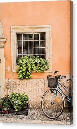 Bike In Verona Canvas Print by Lisa Lemmons-Powers