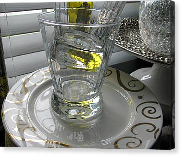 Canvas Print featuring the photograph Bistro Plates And Glasses by Lindie Racz