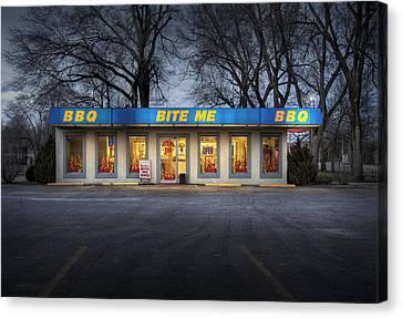 Bite Me Bbq Canvas Print by Fred Lassmann
