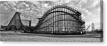 Black And White - Great White Roller Coaster - Adventure Pier Wi Canvas Print