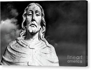 Black And White Jesus Sculpture Shoulders Up Woodlawn Memorial Park Cemetery Nashville Tn Canvas Print