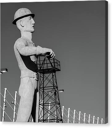 Canvas Print featuring the photograph Black And White Tulsa Driller - Oklahoma by Gregory Ballos