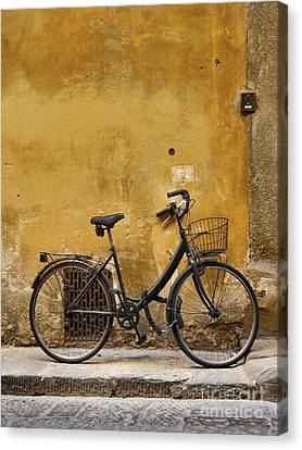Black Bike In Florence Canvas Print by Patricia Strand