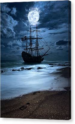 Black Pearl Pirate Ship Landing Under Full Moon Canvas Print by Justin Kelefas