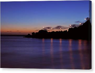 Black Rock Sunset Canvas Print by Kelly Wade