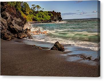 Canvas Print featuring the photograph Black Sand Beach Maui by Shawn Everhart