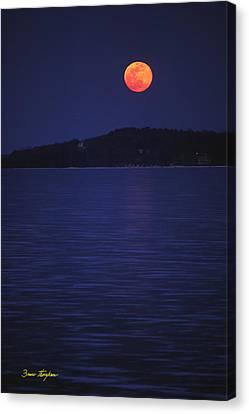 Blood Moon - Black Point - Lake Geneva Wisconsin Canvas Print by Bruce Thompson