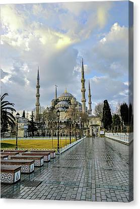 Blue Mosque Canvas Print