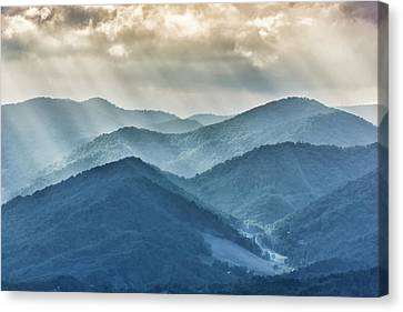 Blue Ridge Sunset Rays Canvas Print