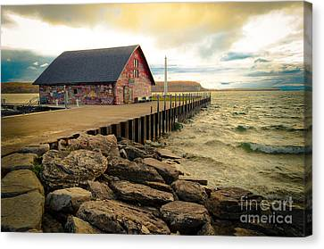 Blustery Day At Anderson Barn Canvas Print