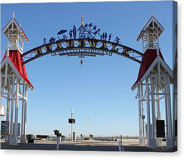 Boardwalk Arch At N Division St Canvas Print