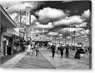 Boardwalk Beat Mono Canvas Print