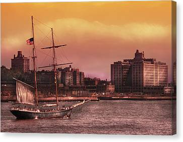 Boat - Ny - The Clipper  Canvas Print by Mike Savad