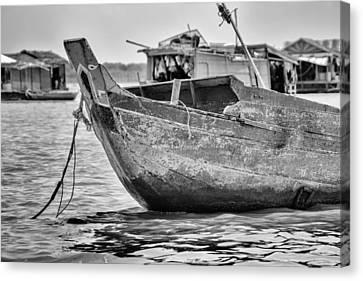 Boat On The Tonle Sap Canvas Print by Georgia Fowler