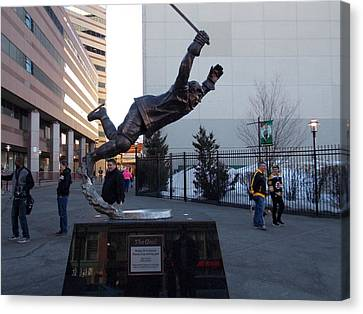 Bobby Orr Canvas Print by Catherine Gagne