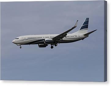 Boeing 737 Private Jet Canvas Print by David Pyatt