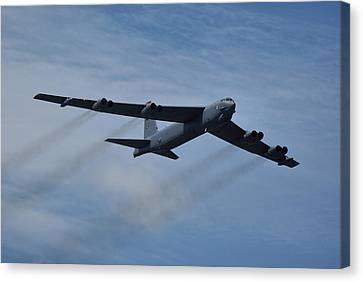 Boeing B-52h Stratofortress Canvas Print by Tim Beach