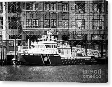 Boston Fire Rescue Fireboat John S Damrell Usa Canvas Print