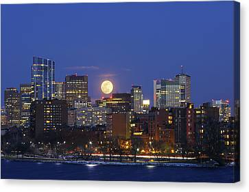 Canvas Print featuring the photograph Boston Moonrise by Juergen Roth