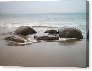 Canvas Print featuring the photograph Bowling Ball Beach by Francesco Emanuele Carucci