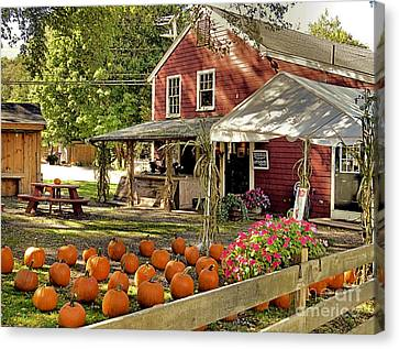 Bramhalls Country Store Fall 2015 Canvas Print by Janice Drew