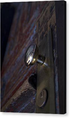 Brass Door Knob I Canvas Print by Henri Irizarri