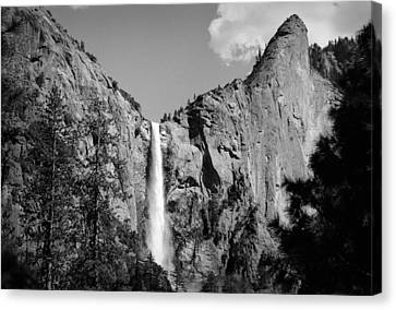 Canvas Print featuring the photograph Bridailveil Fall by Emanuel Tanjala