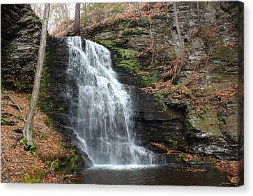 Canvas Print featuring the photograph Bridal Veil Falls by Linda Sannuti