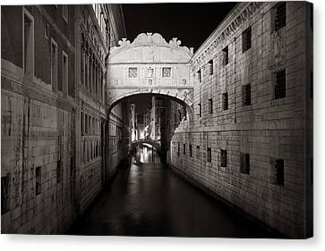 Bridge Of Sighs In The Night Canvas Print