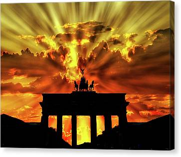 Brilliant Sunset Over The Brandenburg Gate Canvas Print
