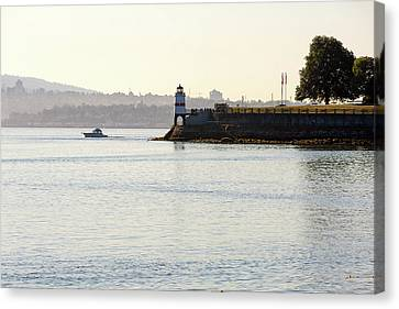 Brockton Point Lighthouse On Peninsula At Stanley Park Canvas Print by David Gn