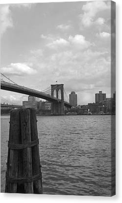 Brooklyn Bridge  Canvas Print by Henri Irizarri