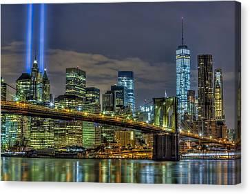 Brooklyn Bridge Nyc 911 Tribute Canvas Print by Susan Candelario