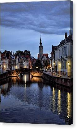 Bruges 02 Canvas Print by James Bond