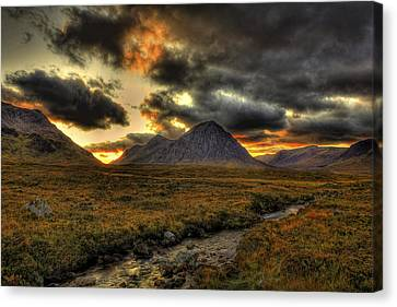 Buachaille Etive Mor Sunset-glencoe Canvas Print by Jim Dohms