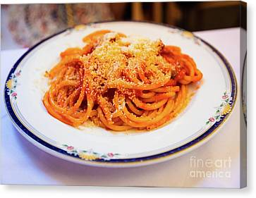 Bucatini All'amatriciana Canvas Print by Inge Johnsson