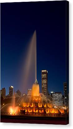 Buckingham Fountain Chicago Canvas Print by Steve Gadomski