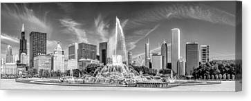 Buckingham Fountain Skyline Panorama Black And White Canvas Print