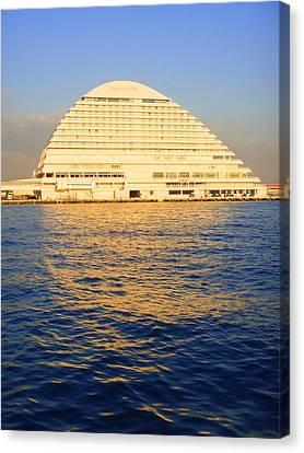 Building At Kobe Harbor Canvas Print by Roberto Alamino