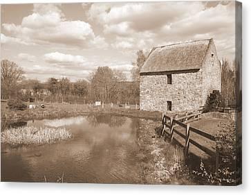 Bunratty Mill Canvas Print by John Quinn