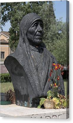Bust Of Mother Teresa Canvas Print by Fabrizio Ruggeri