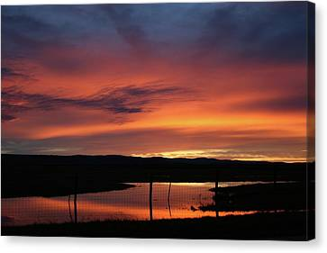 Butte County Sunrise Canvas Print by Suzanne Lorenz